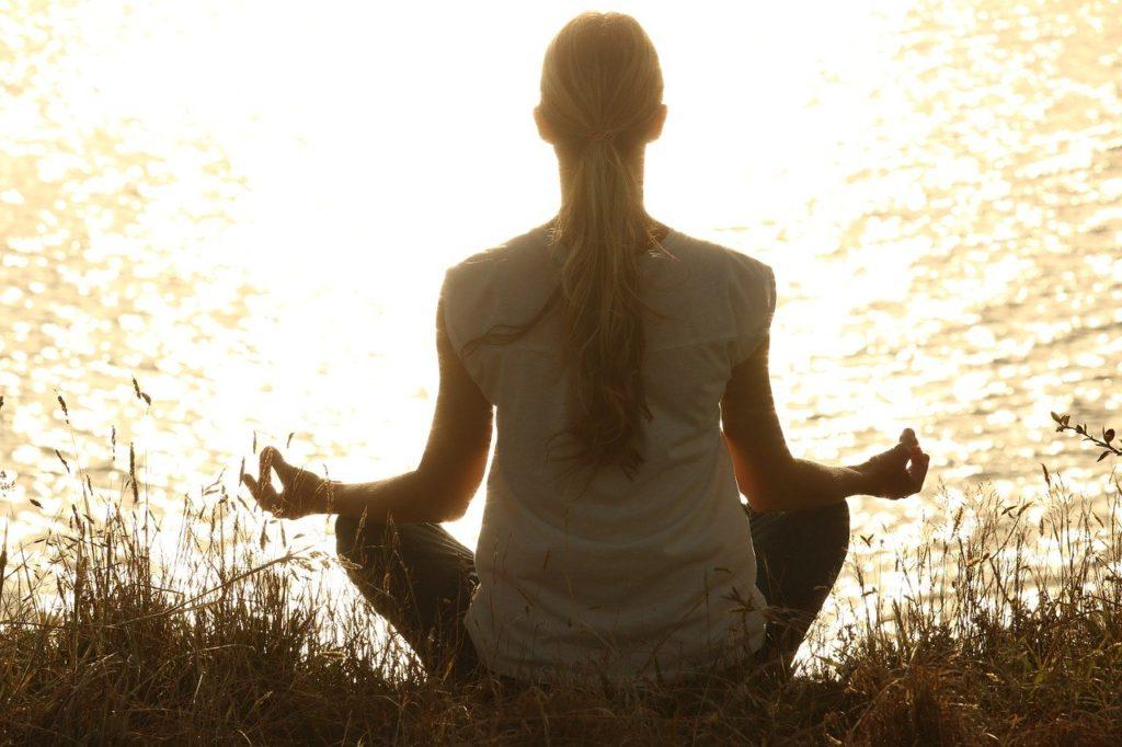朝ヨガ瞑想